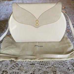 Bally vintage cream leather purse
